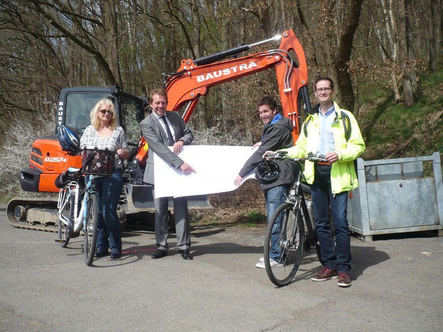 Bild: Startschuß für neuen Geh- und Radweg von Kaan nach Feuersbach