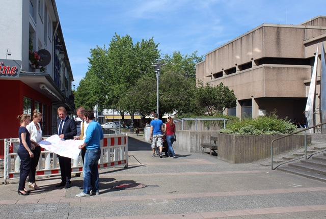 Bild: Startschuss für die Sanierung des Geisweider Rathausumfeldes
