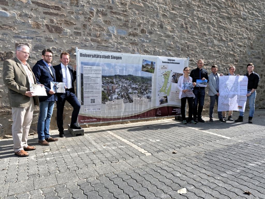 Bild: Erster Abschnitt der Schlossmauer ist saniert
