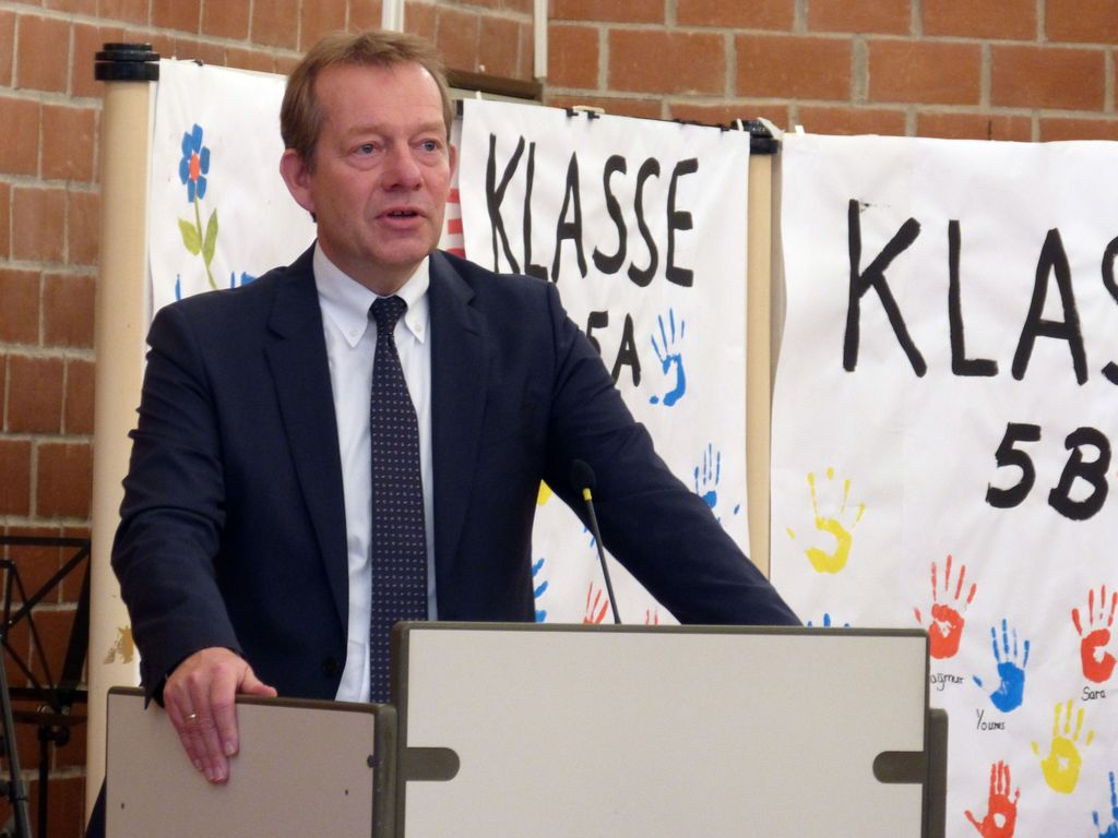 Bild: Feierstunde für neue Gesamtschule in Geisweid