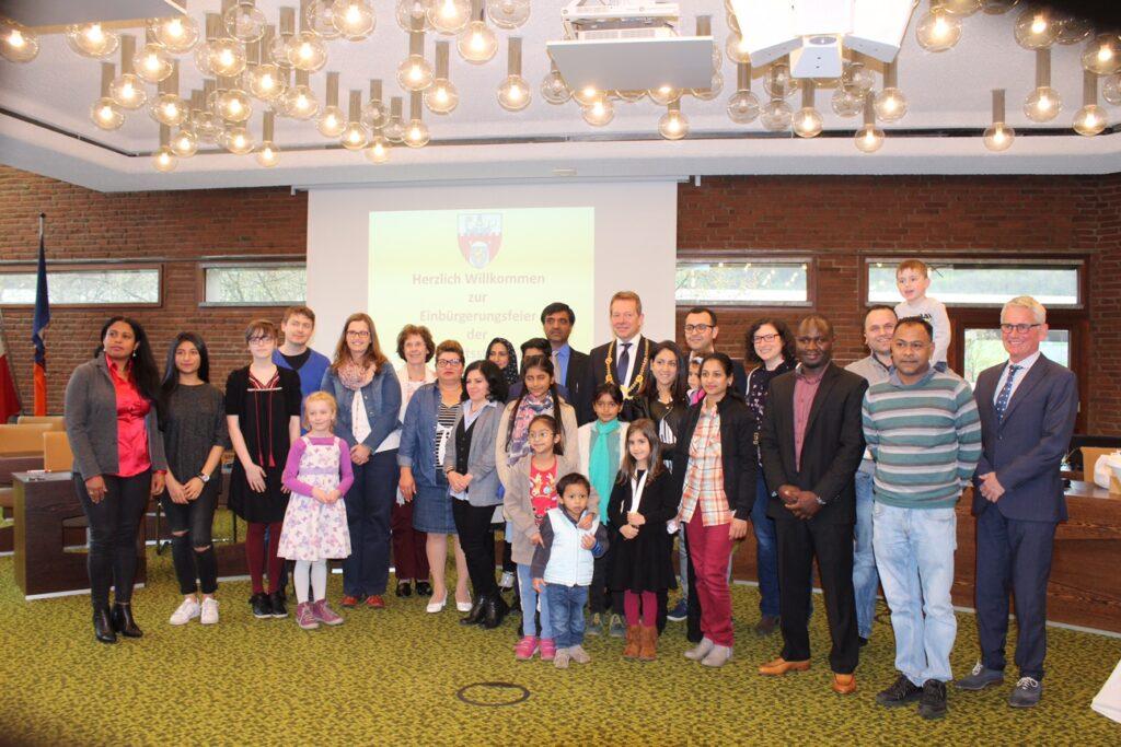 Bild: Neue Staatsbürgerinnen und -bürger im Rathaus Geisweid begrüßt