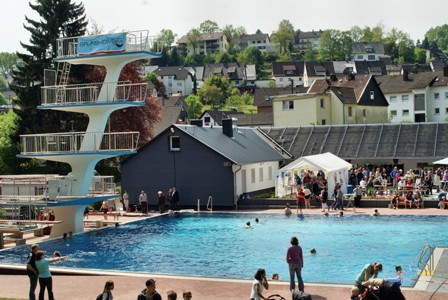 Bild: Wiedereröffnung des Freibades Geisweid