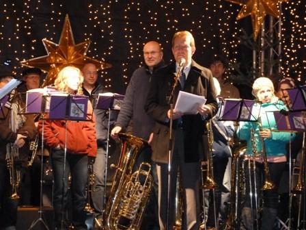 Bild: Weihnachtsmarkt 2011 eröffnet