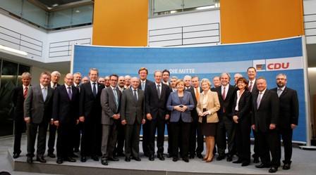 Bild: Bürgermeister Steffen Mues besucht mit weiteren Bürgermeistern des Städtetages Bundeskanzlerin Angel