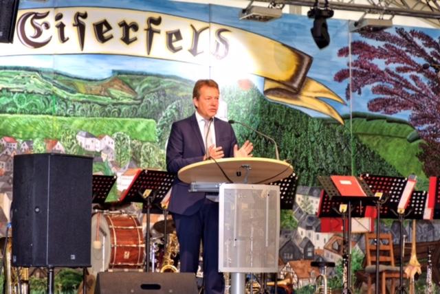 Bild: Großes Festwochenende vom 6. – 9.7.2017 auf der Amtswiese in Eiserfeld zum 725jährigen Jubiläum von