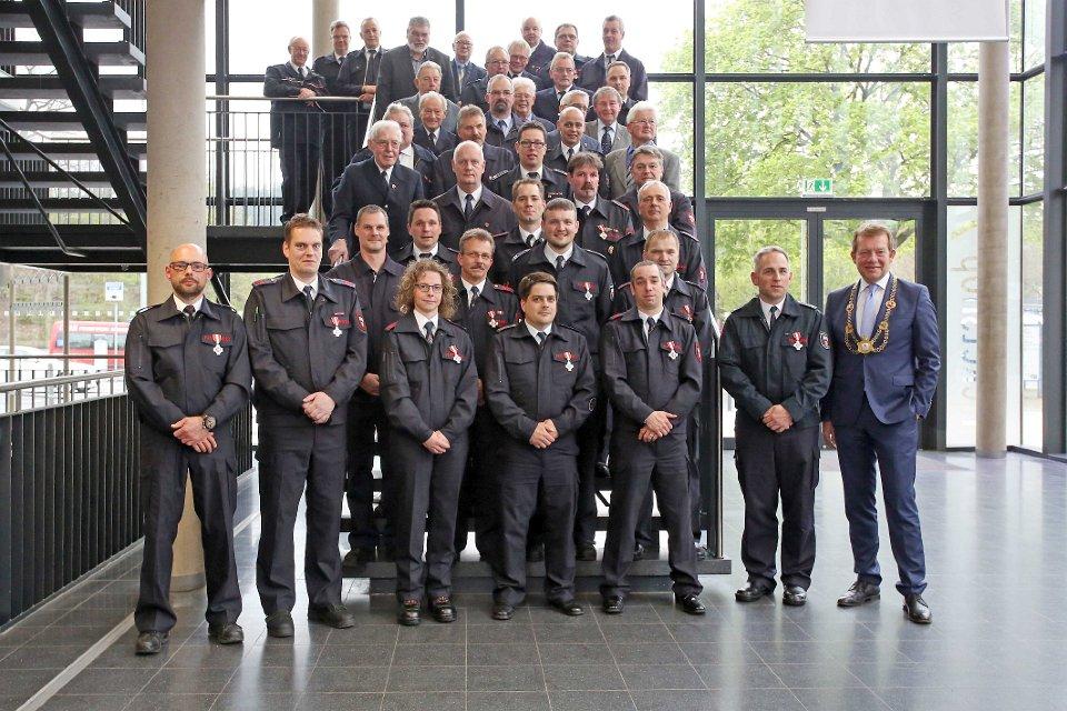Bild: 47 Feuerwehrleute für langjährigen Einsatz geehrt