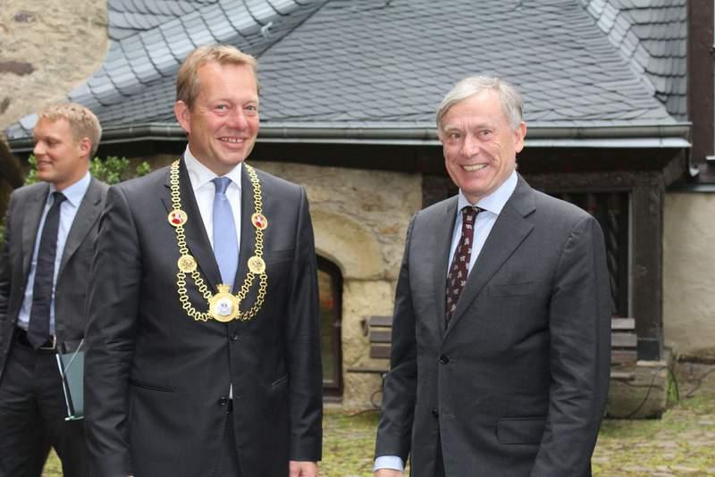 Bild: Bundespräsident a. D. Horst Köhler in Goldenem Buch