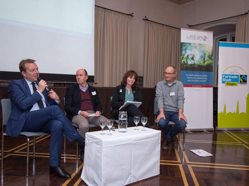 Bild: Austausch über nachhaltige Entwicklung in der Region