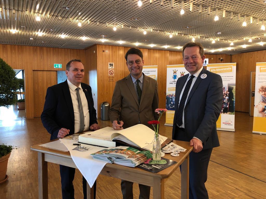 Bild: 100 Jahre Jugendamt der Stadt Siegen Große Festveranstaltung in der Siegerlandhalle