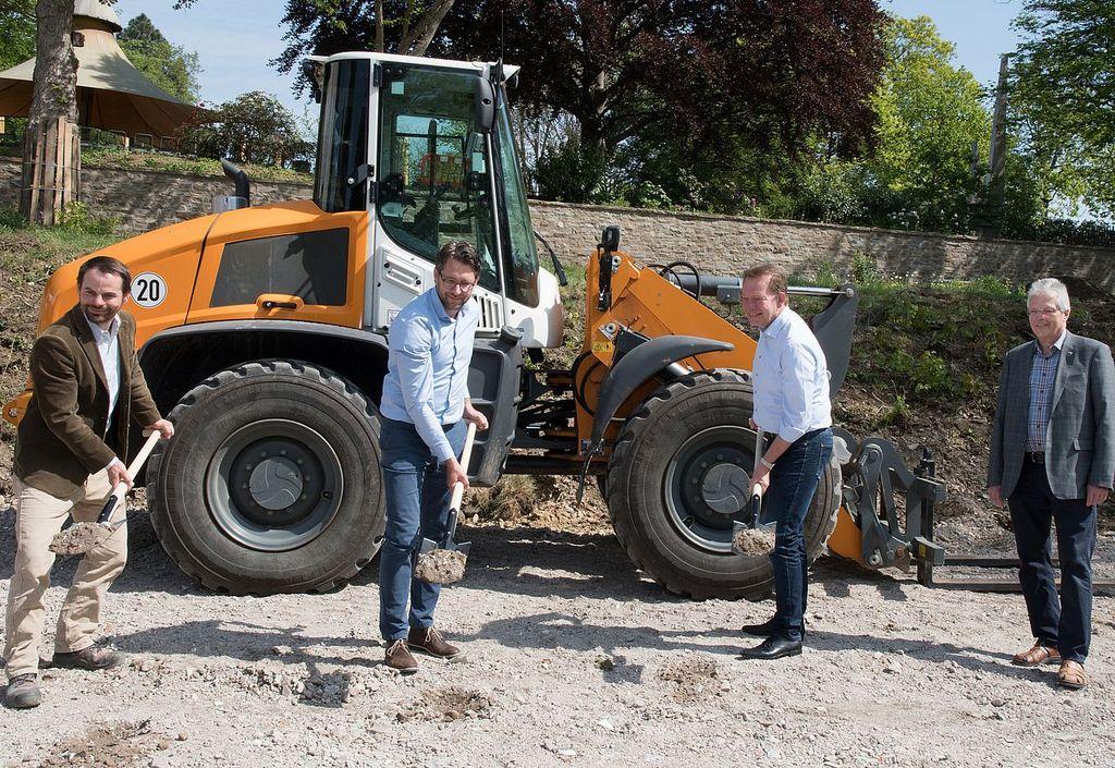 Bild: Spatenstich zum Baustart der Schlosspark-Erweiterung