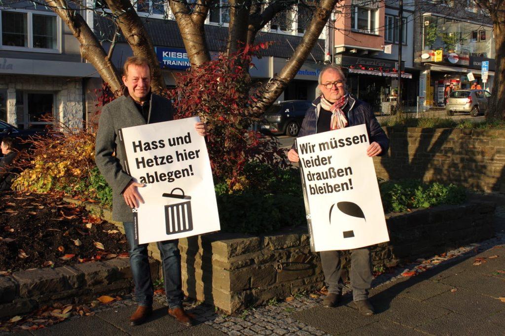 """Bild: """"Siegen steht zusammen"""" – Plakataktion des Siegener Bündnisses für Demokratie"""